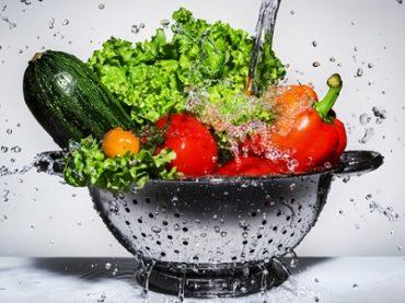 5 วิธี ล้างผักให้สะอาด ช่วยลดการตกค้างของสารเคมีได้